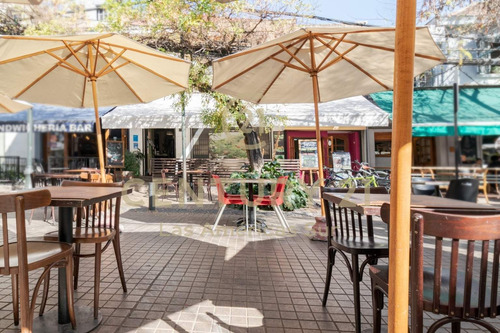 Se Vende Derecho De Llaves Y Equipamiento De Restaurant E...