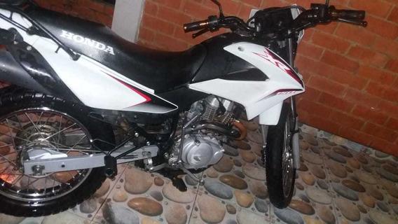 Moto Honda Xr 150 L Modelo 2017 Tecno Y Soat Nuevos