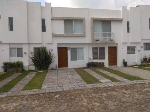 Casa En Renta Dentro De Coto Puerta La Loma B. Santa Anita