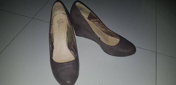 Zapato Bata N°40. Taco Chino