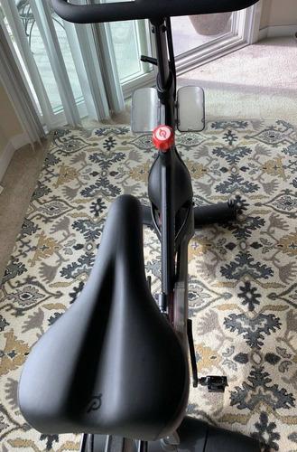Imagen 1 de 4 de Pelotón De Bicicleta De Ejercicio Indoor Peloton