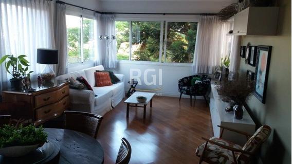 Apartamento Em Petrópolis Com 3 Dormitórios - Cs36007182