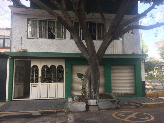 Casa De Jardin Balbuena Con Excelente Ubicación