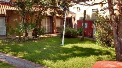 Hermosa Casa Con Quincho, Lavadero Y Piscina A Pasos Avenida