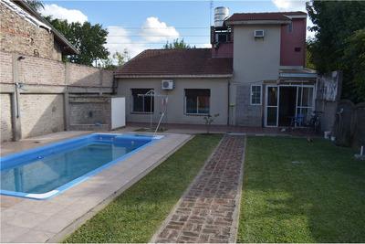 Casa 5 Ambientes Con Quincho Y Pileta