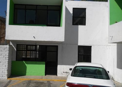 ¡¡¡preciosa Casa En Colonia La Penal, Excelente Ubicación!!!