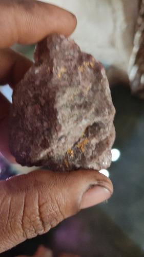 Imagem 1 de 5 de Pedras Cravadas Ouro
