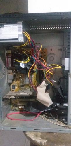 Imagem 1 de 8 de Computador Pentium 4 Sem Hd E Monitor LG 15  De Tubo Bom