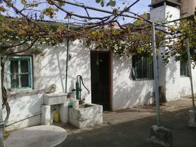 Casa Antigua Con Patio Y Entrada Para Autos
