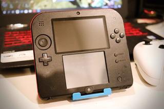 Consola Nintendo 2ds Red Color + Nerf Case Armor Original