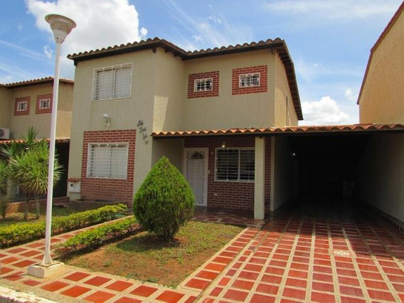 Vendo Espectacular Townhouse El Tigre Cod 17-15215 Jel