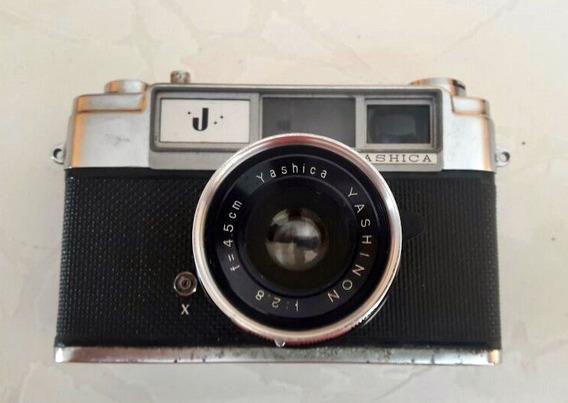 Câmera Fotográfica Yashica (antiga)