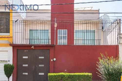 Amplia Casa En Venta En Colonia Reforma De Iztaccihuatl Norte