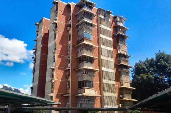 Apartamento En Venta Urb. San Jacinto- Maracay 20-24670hcc