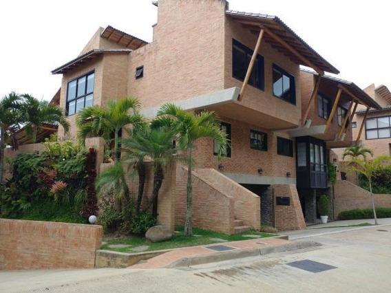 Bella Casa En Alto Hatillo