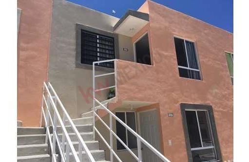 Oportunidad Casa Duplex En Venta, Muy Bien Ubicada. Buen Estado De Conservación