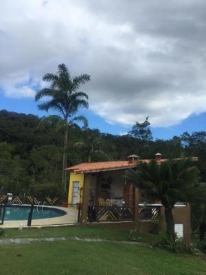 Chácara Em Itariri Com 4 Dorm 2 Suíte Com Contrato 7895
