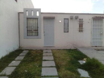Jpj/ Casa De 1 Planta En Renta Cerca De La Uteq