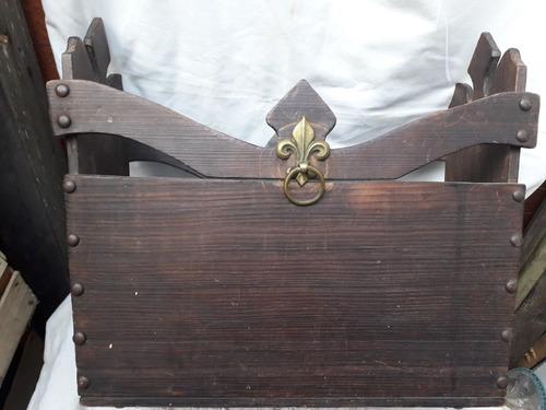 Lindo Y Antiguo Revistero Rústico De Madera