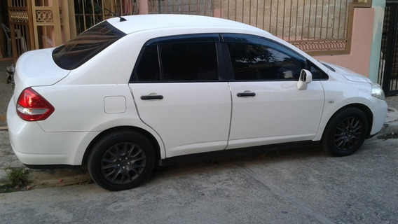 Sedan Nissan Tiida 2010 Negociable