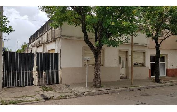Venta / Casa / 4 Dormitorios / Oportunidad