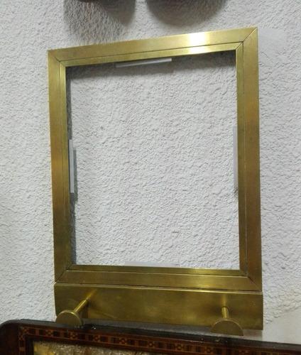 Imagen 1 de 1 de Marco De Bronce Pesado Para Espejo,  Con Percheros