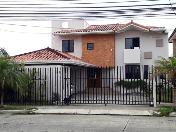 Casa En Altos De Panama 19-4831hel** Altos De Panama