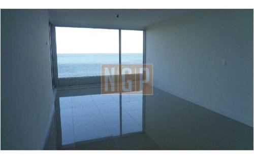 Apartamento En Mansa, 2 Dormitorios  -ref:10234