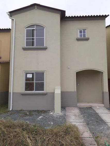 Casa De 2 Dormitorios 3 Baños