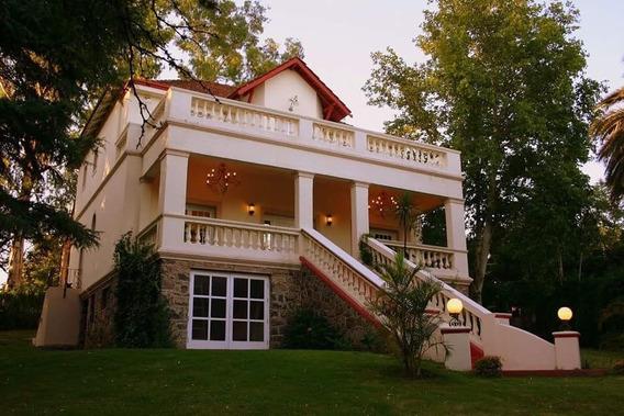 Imponente, Única Y Bella Residencia De Estilo Colonial En Villa Allende En Cercanías Del Golf