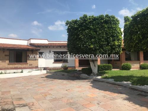 Imagen 1 de 14 de Casa En Venta En Colinas Del Bosque, Querétaro. Antonieta
