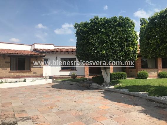 Casa En Venta Antonieta En Fracc. Colinas Del Bosque, Qro.