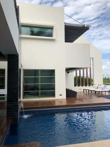 Casa En Venta En Residencial Exclusivo, Nueva, Seguridad!!
