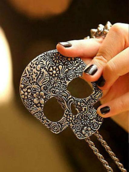 Lindo Colar Bronze Com Pingente Caveira Cranio Fashion