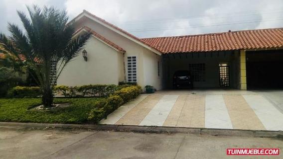 Casas En Venta. San Miguel Country.