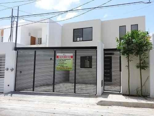 Casa Nueva A 3 Cuadras De La 60 Y Col. Chuburna De Hidalgo