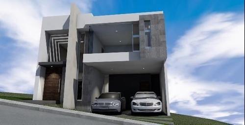 Casa Con Excelentes Acabados En Monterra.