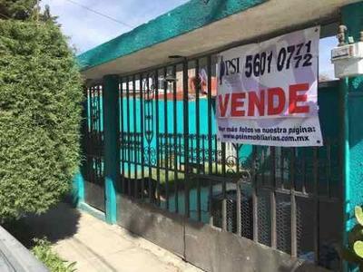 Casa De Un Solo Nivel Con Pisos De Loseta, Patio Y Garage