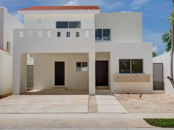 Casa En Residencial Arbórea Piscina Y Amplios Jardines.