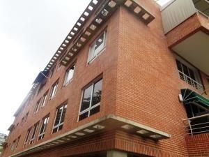 Apartamento En Colinas De Bello Monte Mls #20-2877