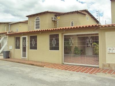 Comoda Y Amplia Casa En Venta, San Joaquin Turmero Aragua.