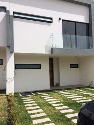 Casa Nueva De 2 Pisos De Lujo En Renta