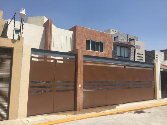 Casa En Venta En Metepec.