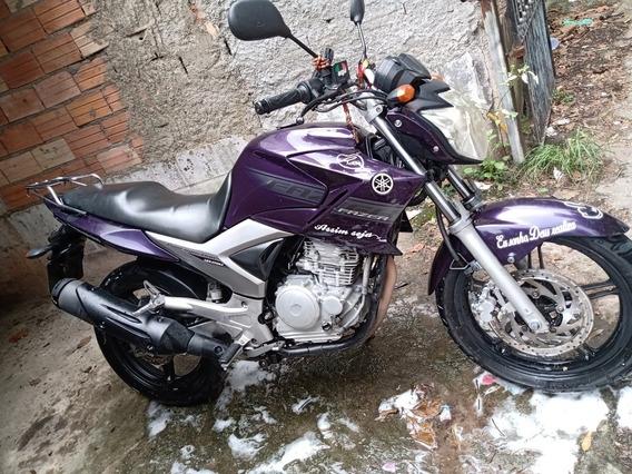 Yamaha Fazer 250 Cilindrada