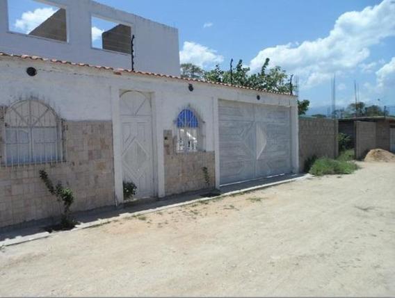Casa En Venta Ocumare De La Costa Cod. 20-4923