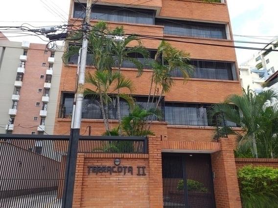Venta De Exclusivo Pent-house En La Urb. La Soledad 430772