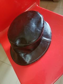 Sombrero Negro En Piel Sintética