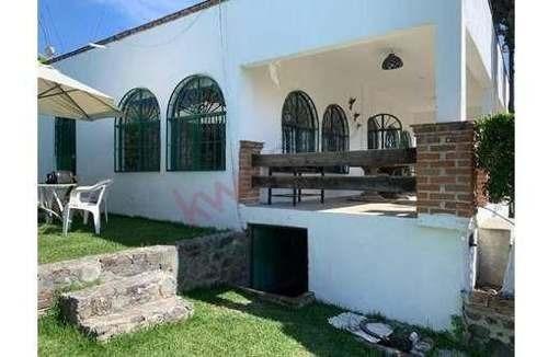 Casa A La Venta En Lomas De Trujillo Con Alberca Y Amplio Jardín