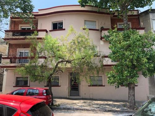 Edificio En Régimen Común En Tres Niveles, Formado Por 12 Ap