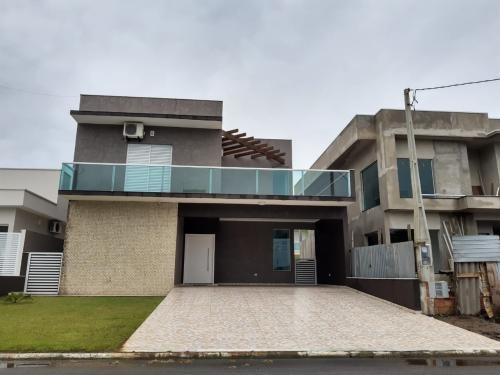 Casa Alto Padrão Com 4 Quartos Em Itanhaém/sp 6214-pc